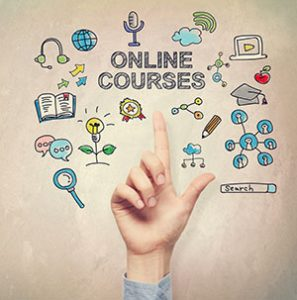 hand pointing to the online course concept
